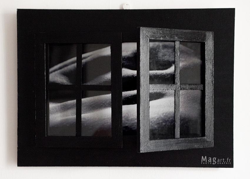 Corps et graphie mag photographe vid aste for Fenetre noir et blanc